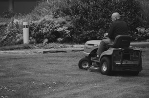 What You Need to Know About Lawn Mowers and Child Safety