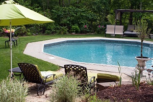 5 Tips for Decorating Your Pool Area